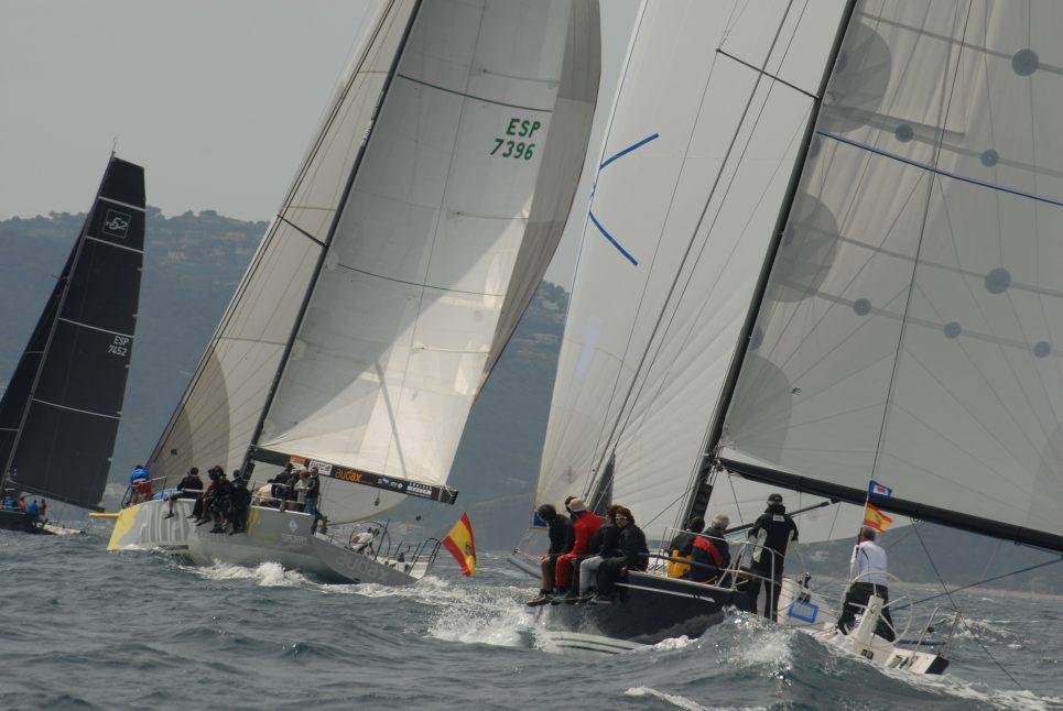 fotos navegant regata pasqua