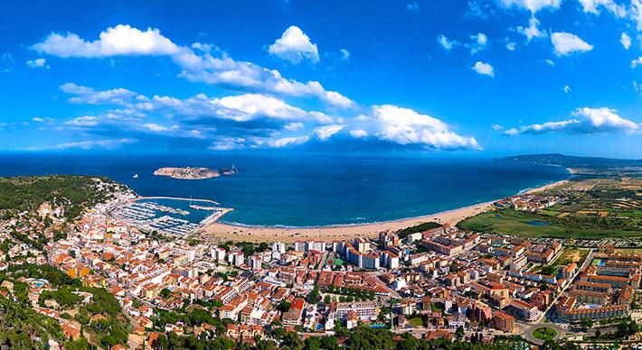 Au milieu de la Costa Brava, votre port de base